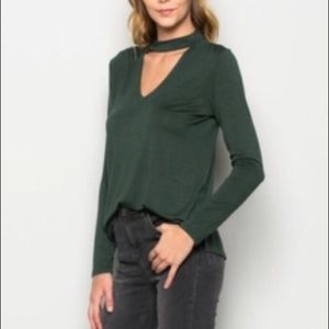 3/$15 wasabi and mint dark green cut out vneck top